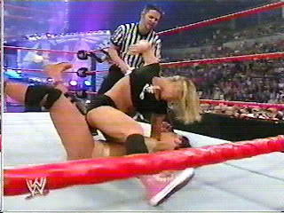 trish lita vs jacqueline Ppv05_147-1