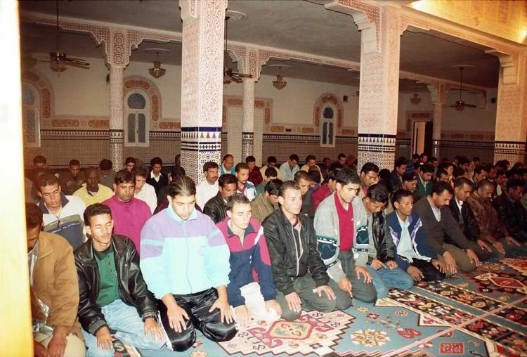 صور من إقليم الناظور في منطقة الريف شمال المغرب Mezquita-Central-del-Polgono-Mel-1