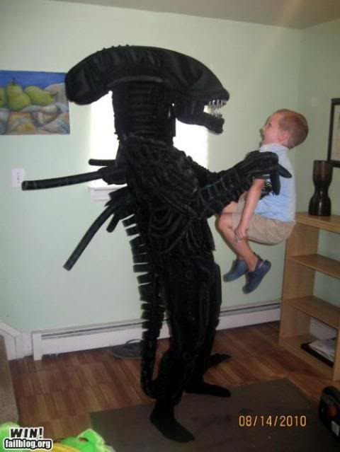Humor gráfico Epic-win-photos-frightening-costume-win