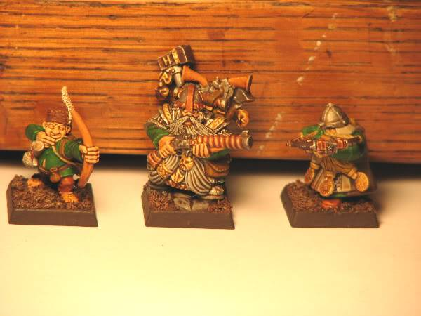 Dwarfs going for a dip! Now with some greenskins. Dwarf2
