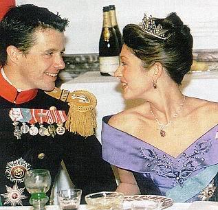 Alexandra Manley Condesa de Frederiksborg - Página 2 A8