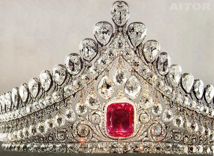 Casa Imperial de todas las Rusias - Página 2 Tiaraaitortj1