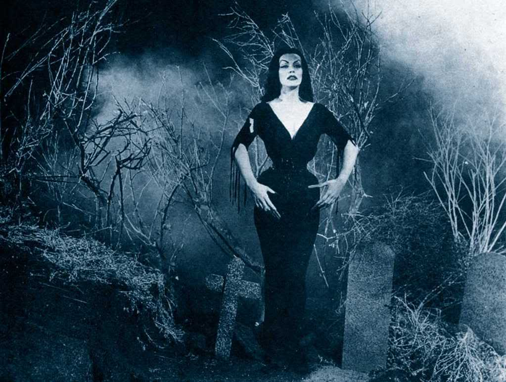 lisa marie vampira pictures Pictures, Images and Photos