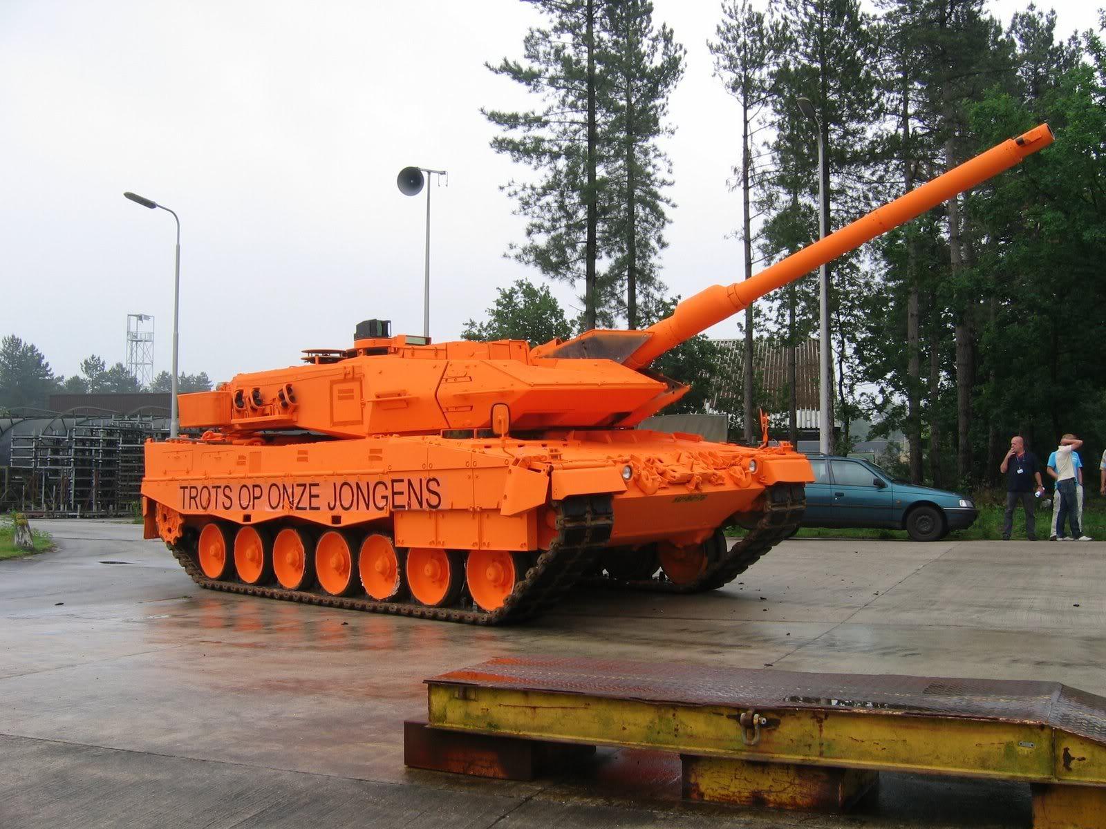 Armée Allemande (Bundeswehr) - Page 5 Orange_tank