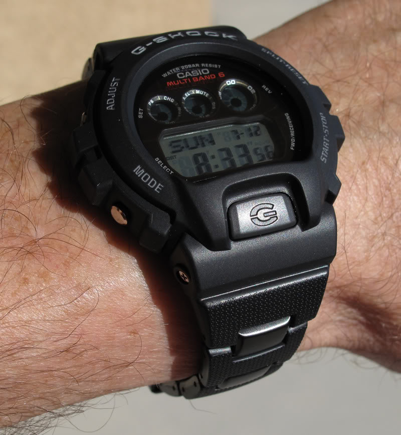 ¿Os gustan los modelos 5600-6900 con brazalete? GW6900BraceletWrist1_11JUL0