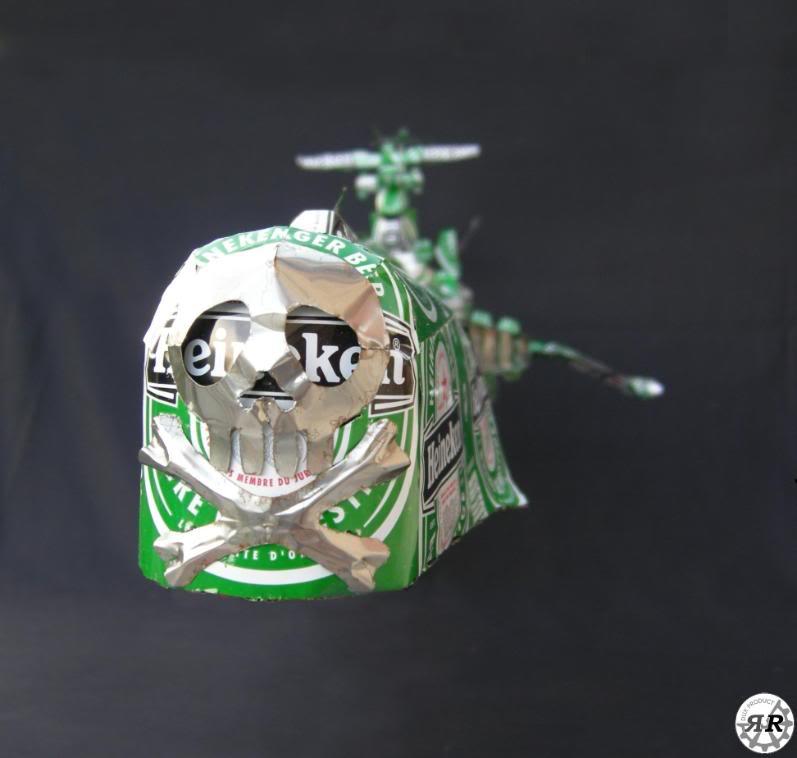 Arcadia (vaisseau d'Albator) en canettes d'Heineken ArcadiaHeineken080-22