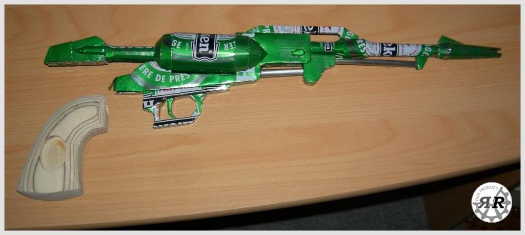 Arcadia (vaisseau d'Albator) en canettes d'Heineken Cosmogun_heineken