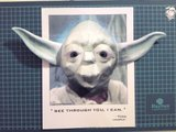 Yoda, qui vous transperce du regard... Th_Yoda_09