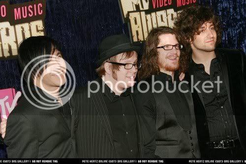 Falloutboys photos 2007_MTV_Video_Music_Awards_Red_Car