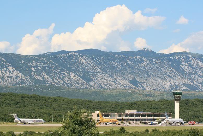 Zračna luka Rijeka - Page 3 Forum8