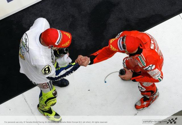 Stoner vence, Rossi é Campeão P20091025133650093