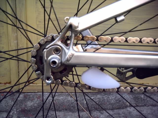 Chain tensioner PICT0005-1