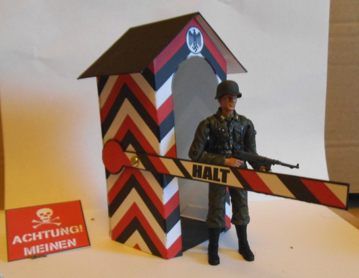 Action Man Sentry Box 1:18 scale Colditz01