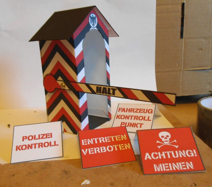 Action Man Sentry Box 1:18 scale Colditz04