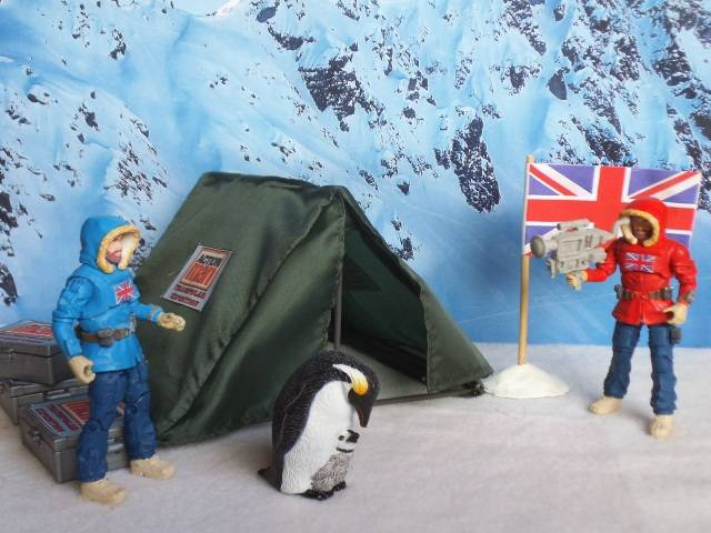 1:18 Action Man Trans-Polar Expedition (pic heavy) BaseCamp02_zps88ad6fad