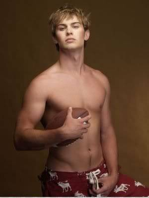 A bit of me Chace-crawford-abercrombie
