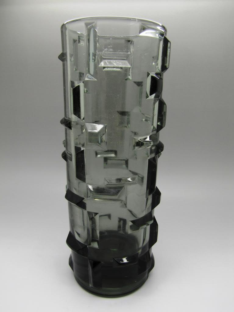 Pressed Glass vase prismatic moulded decoration ??? Pressedvase001