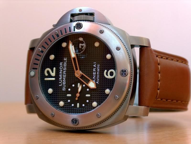 2 montres - presque - identiques? HPIM1409