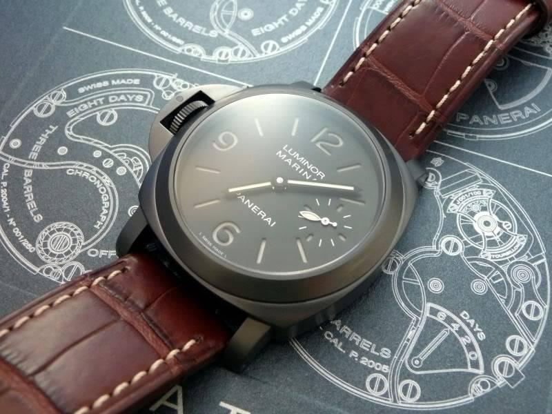 montre noir - bracelet brun P1010599