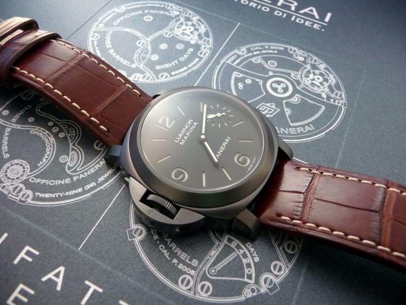 montre noir - bracelet brun P1010605