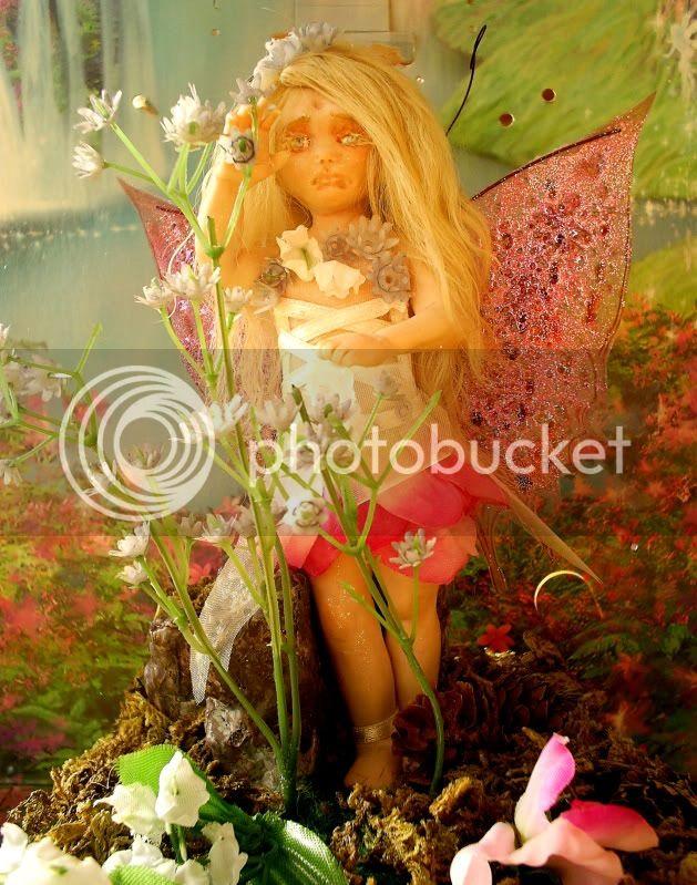 Flora la fatina dei fiori S4021437