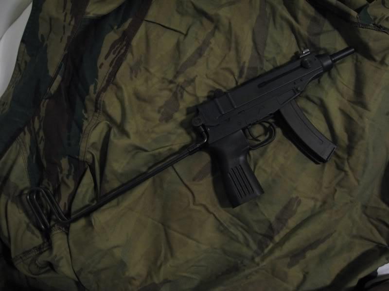 Katsaus: Maruzen Vz.61 Skorpion Skorpion2