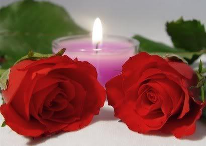 УКРАСНЕ СВЕЋЕ Candle-pink-roses-red