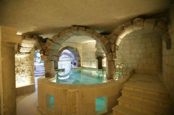 فنادق مبنية داخل الكهوف في تركيا 4-14
