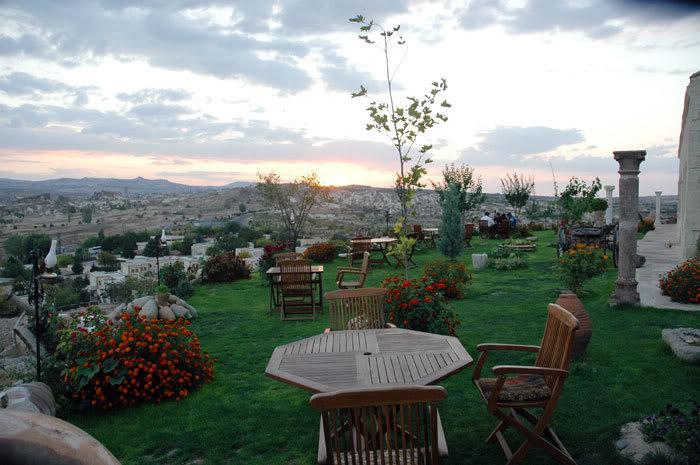 فنادق مبنية داخل الكهوف في تركيا G-73