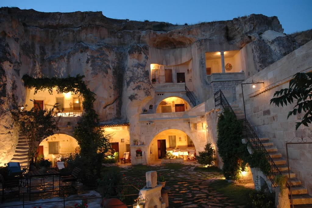 فنادق مبنية داخل الكهوف في تركيا Elkep_1