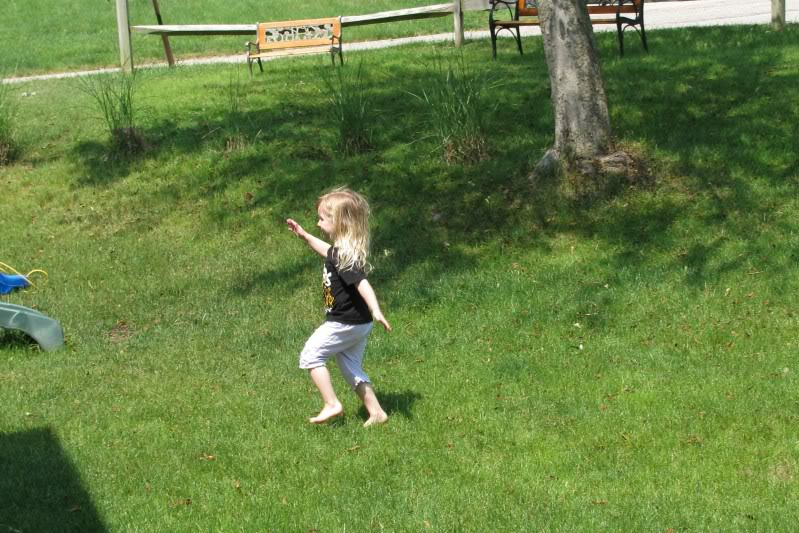 Girls enjoying Summer Fairy017-1