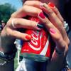 She wants to love me, woohoo Coca