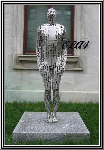 اكبر موضوع عن اغرب المنحوتات و التماثيل في العالم  Statue168