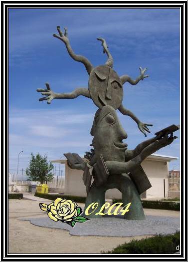 اكبر موضوع عن اغرب المنحوتات و التماثيل في العالم  Statue201