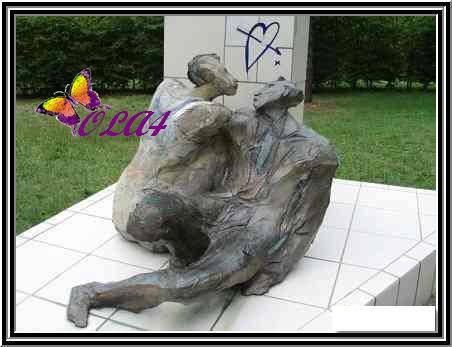 صور تماثيل غريبه الحمد الله علي نعمة الاسلام Statue25