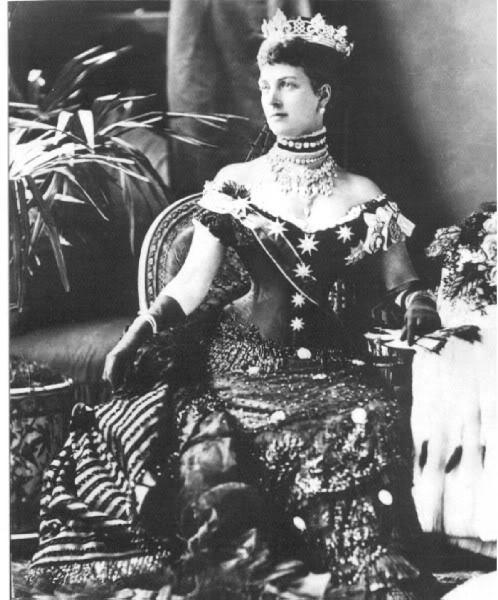 Alejandra y Eduardo VII - Página 2 AlexandraJubileeVictoria