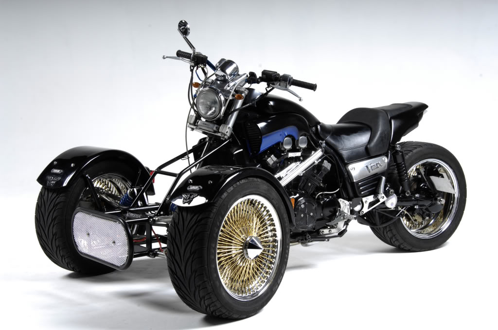 Some of my past project bikes........... Vmaxtrikephotoshoot014
