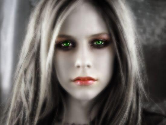True Green Eyes AvrilLavigne-1