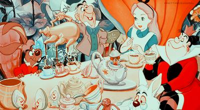 White Rabbit - Les délires psychédéliques d'Alice ALICEINTRO