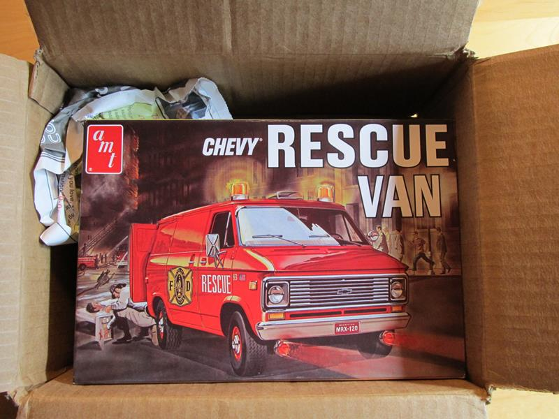 """AMT """"Chevy Rescue Van"""" in 1:25 IMG_6722_zps70be1771"""