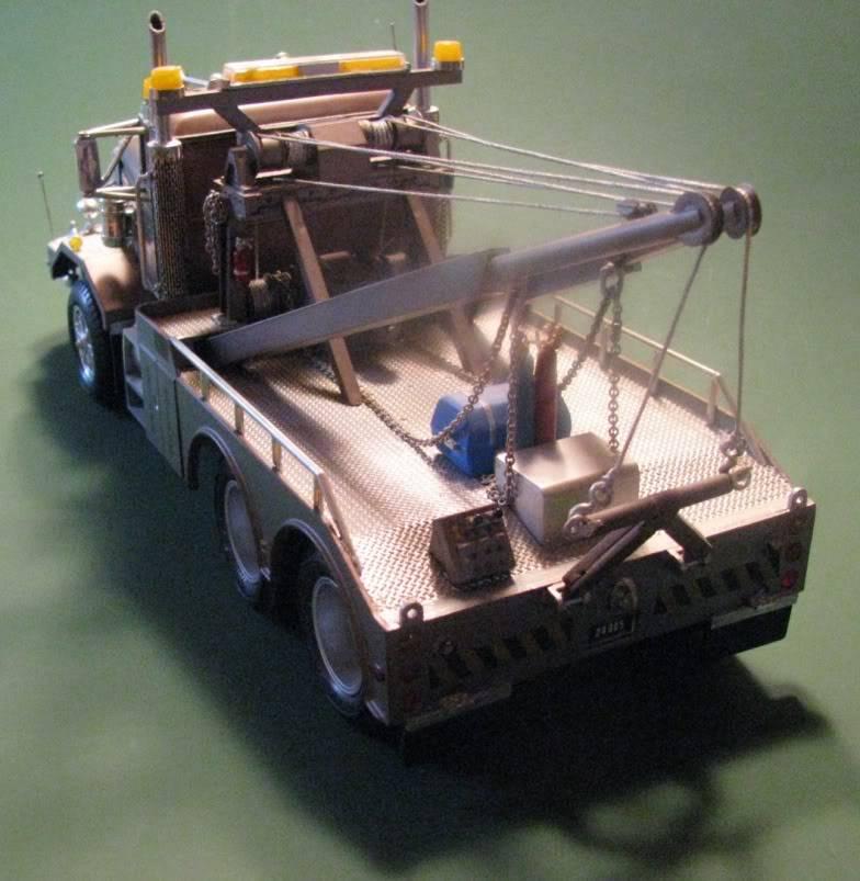Gessy's Autocar Wrecker Back01