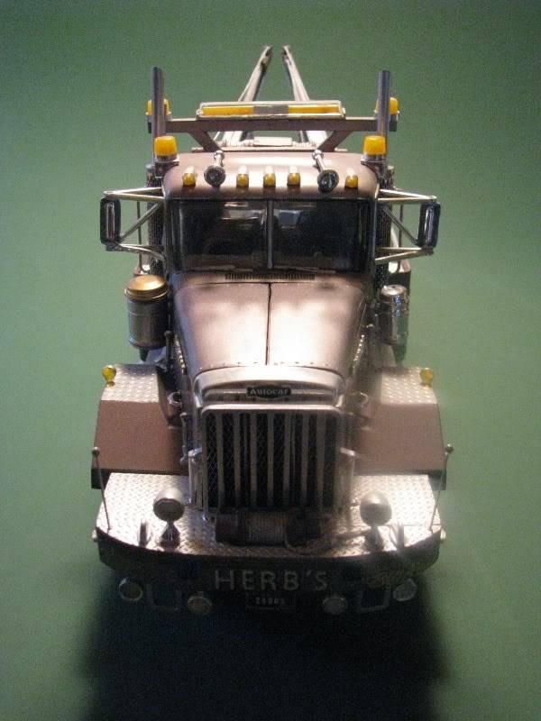 Gessy's Autocar Wrecker Front01