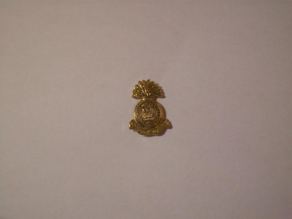 Sherbrooke fusiler Regiment lapel pin 100_3805