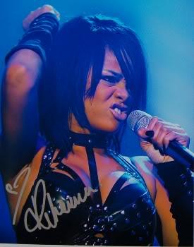 Rihanna .  - Page 3 Rihanna