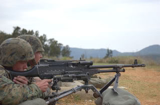 Weapons 800px-M240G-0167-2004-011