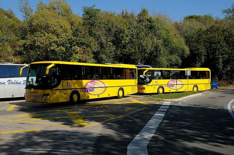 Samoborček i Autoturist 272-406