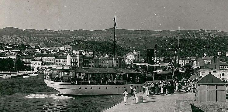 Nekadašnji brodovi BrodCrikvenica36