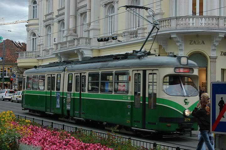 Holding Graz Linien ili Tramvaji u Grazu 720GrazDwag2d