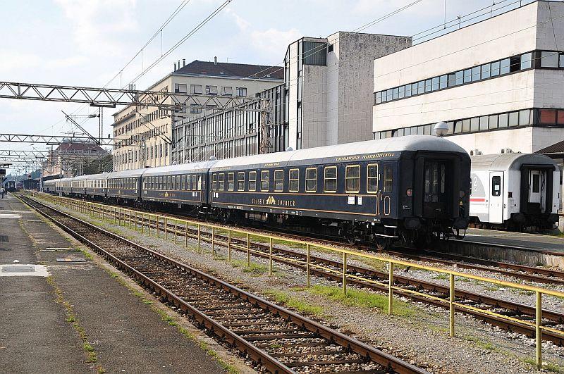Turistički,izletnički vlakovi 338-010_zps00b7a19c