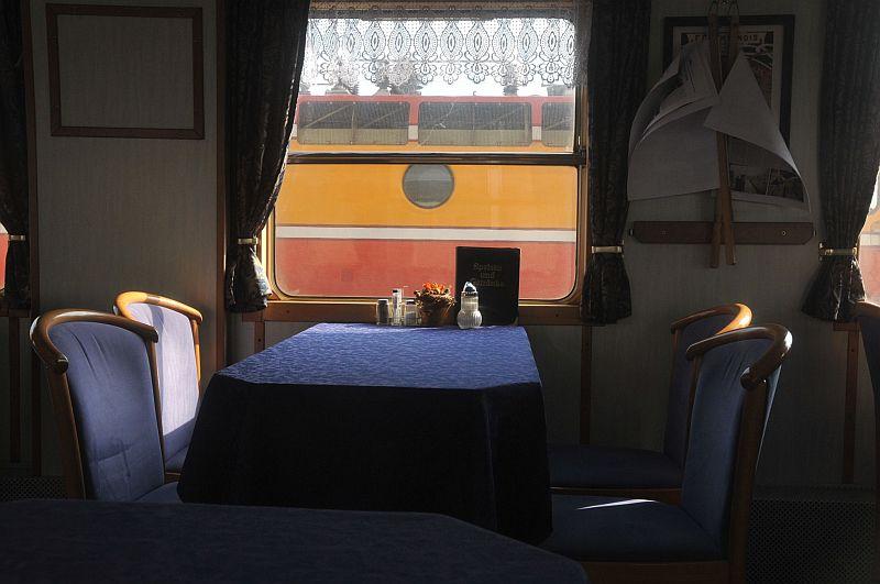 Turistički,izletnički vlakovi 338-019_zps674dea76